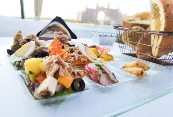 Le Pirate Restaurant – Amazing Dining Experience at the Pointe Palm Jumeirah, Dubai